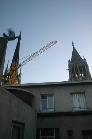 Mercure Rouen Centre Cathedrale Hotel : View of the cathedral from room 504