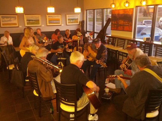 Bee's Knees Cafe : Jam Night