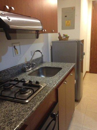 Hotel Cyan Suites: cocina