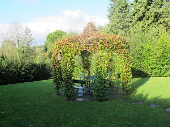 Villa il Borghetto: Nice Garden