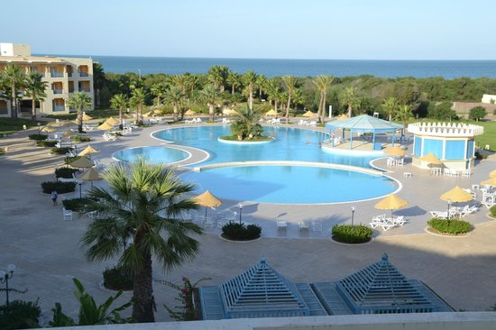 Ramada Plaza Tunis : View on the garden and the Mediterranean