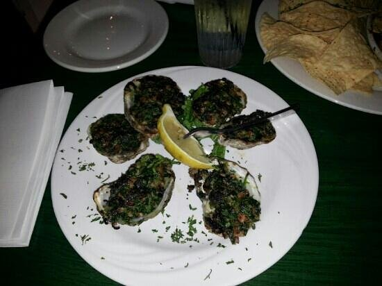 Tautogs Restaurant: Oysters Rockefeller