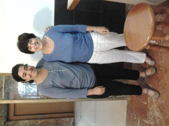 Hotel Carmen Teresa: Carmen and her mum