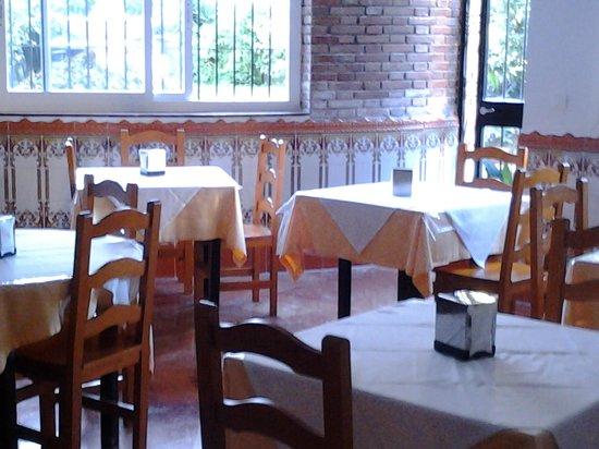 Hotel Carmen Teresa: Dinning area