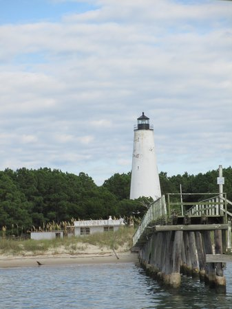 Cap'n Rod's Lowcountry Plantation Tours : North Island Lighthouse