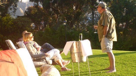 Camps Bay Retreat: Chatting with other guests