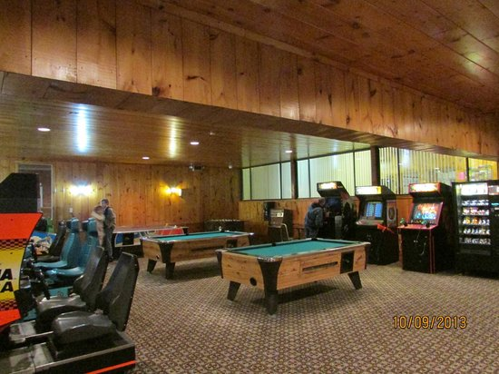 The Seasons Resort: Game Room