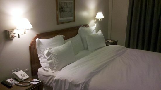 Windsor Hotel and Tower: Amplia y mu confortable