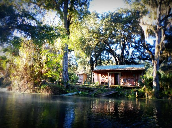 Silver Springs State Park: Shack along the paddle trail