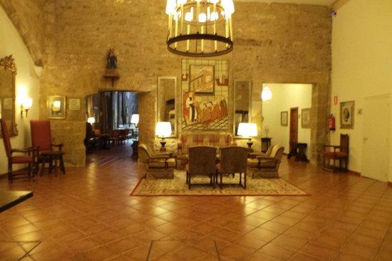 Parador Santo Domingo Bernardo de la Fresneda : Salones
