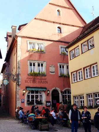 Roter Hahn Rothenburg: View from the main street