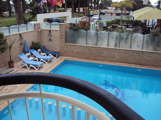 Suite Hotel Tilila : Vue piscine