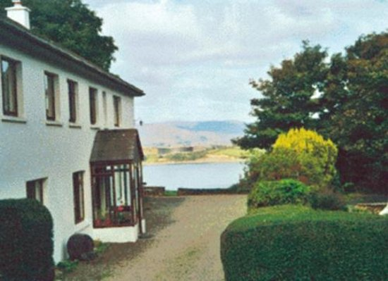 Dromcloc House: Lovely very old Farmhouse overlooking Bantry Bay