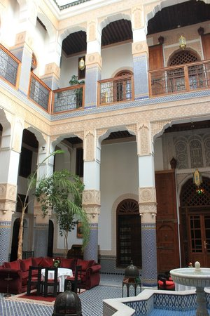 Riad Myra: Views of the courtyard and second floor