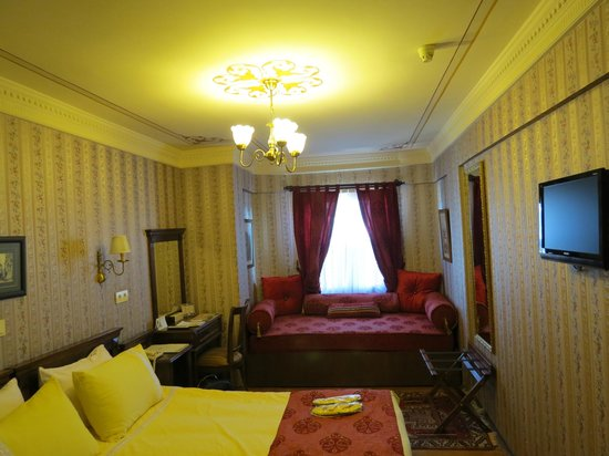 Dersaadet Hotel Istanbul: Room with view