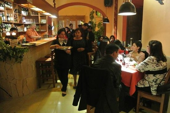 Cafe Restaurant El Tapado: My friend had his birthday here, and it was an awesome night!