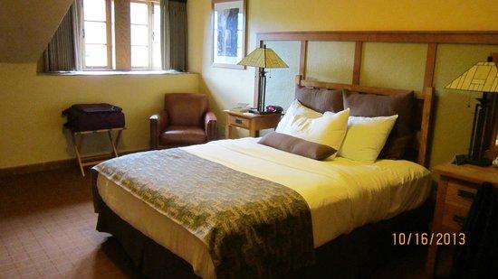 The Omni Grove Park Inn : 4th floor room in old Main Bldg