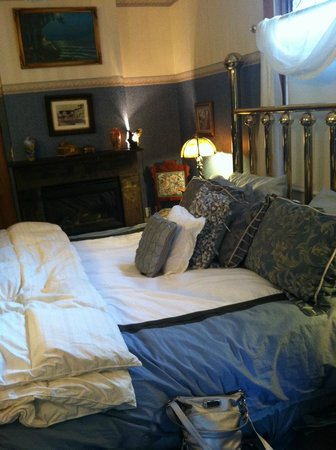Mont Rest Inn: The Private Room