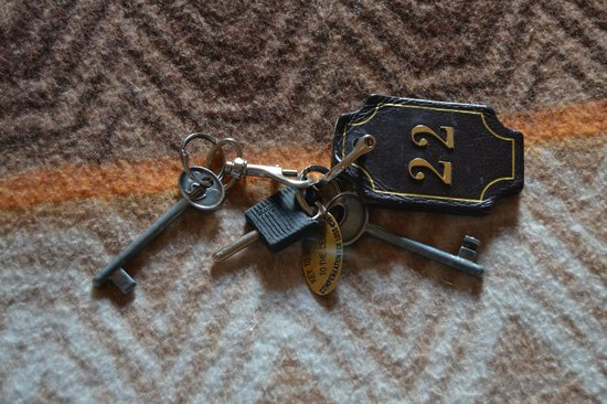 Hotel Alessandra : Old school keys to our room