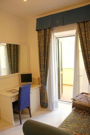 Hotel San Michele: dormitorio
