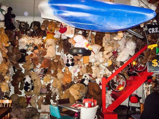 4 Bears Cafe & Accommodation: One wall of bears... there are many more