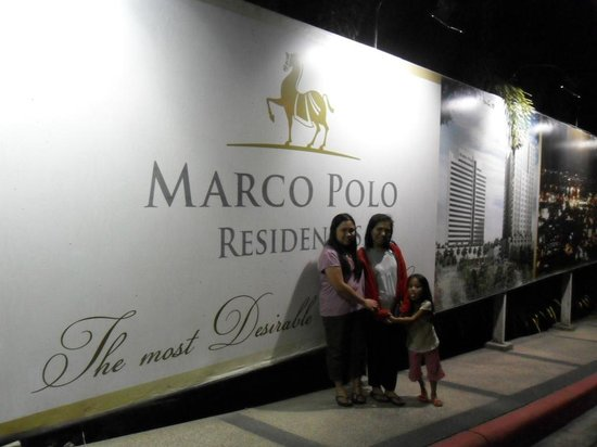Marco Polo Plaza Cebu: hotel and grounds
