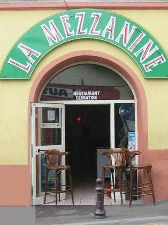 St-Laurent du Var, France: Restaurant la mezzanine,  un regal