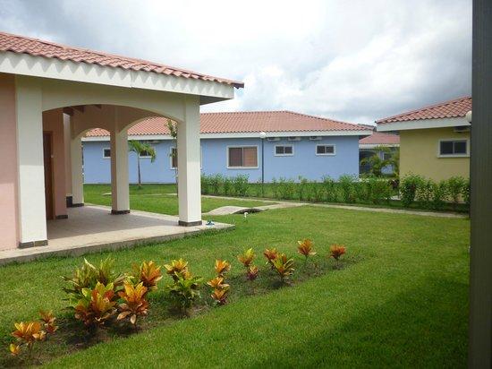 Villaggio Flor de Pacifico: Zona verde