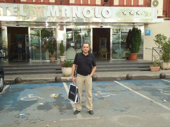 Hotel Manolo: facade de l'hotel