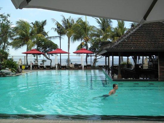 Griya Santrian: Main Pool