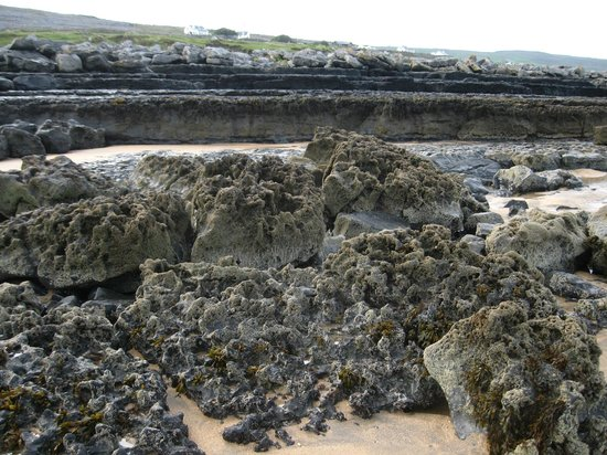 Corofin, Ierland: Beach along the Burren