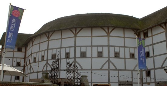 Premier Inn London Southwark (Bankside) Hotel: The Globe Theatre