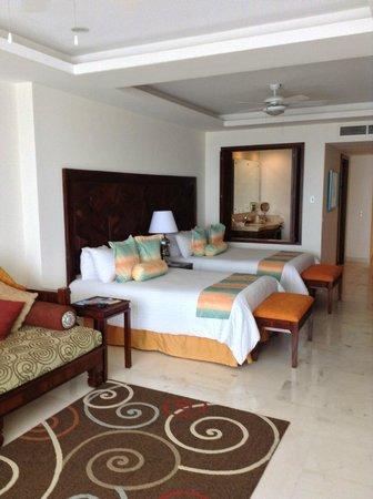 Grand Miramar All Luxury Suites & Residences : habitacion