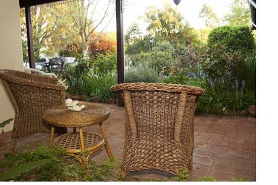 The Noble Grape Guest House: Enjoy a quiet moment in the garden
