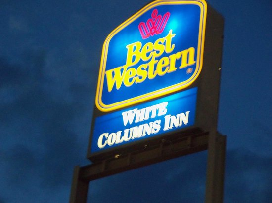 White Columns Inn : Hotel name