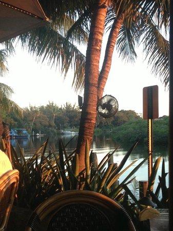 Guanabanas : Beautiful by the water