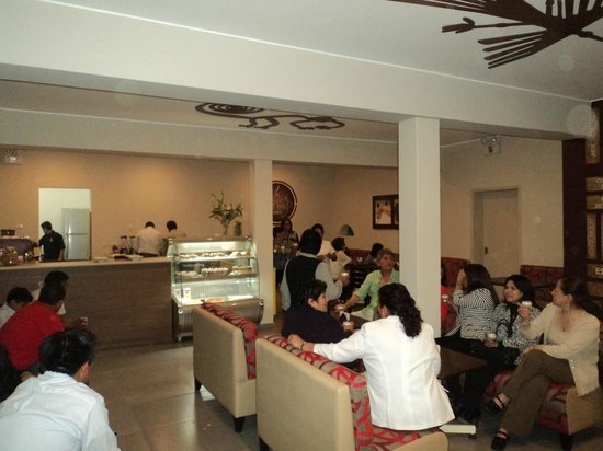 Mom's Cafe: Disfruta de un buen café
