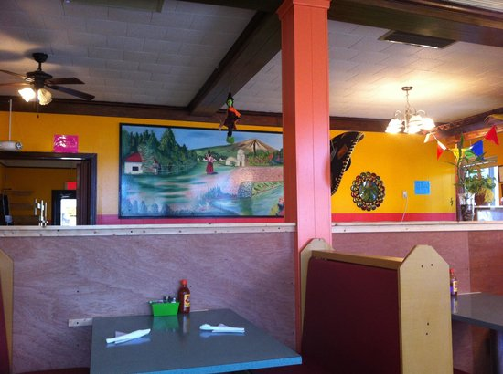 Maria's Cafe Mexican Grill: Great atmosphere