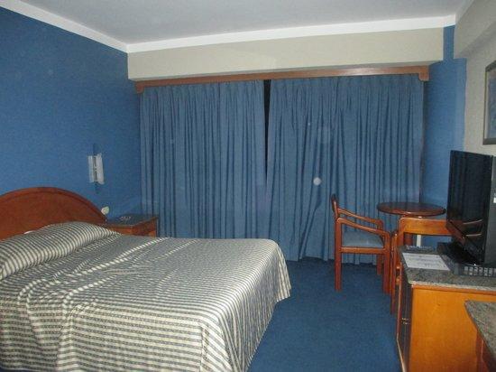 Hotel Emperador : habitacion