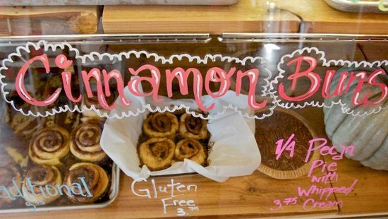 Bees knees Cafe : the best cinnamon buns ever!