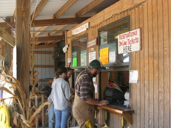 Long & Scott Farms: ONLY TWO cashiers for the enormous line of patrons