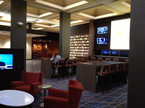 Hilton Parsippany : Hilton bar area