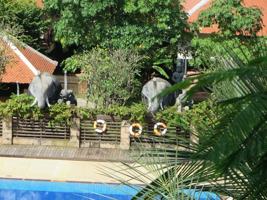 Royal Angkor Resort & Spa: Elephant Sculptures
