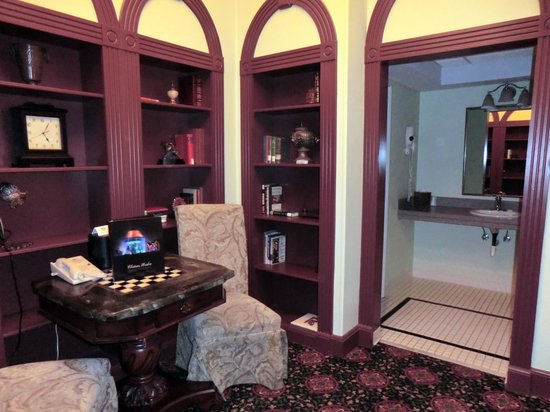 Chateau Avalon Hotel & Spa : #206 Presidential Suite