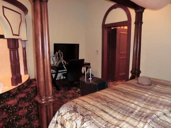 Chateau Avalon: #206 Presidential Suite