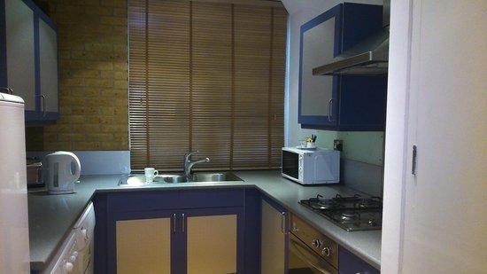 Gate House Apartments, Tower Bridge : Kitchen