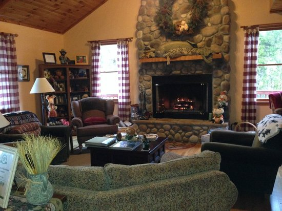 Berry Springs Lodge: Common Area