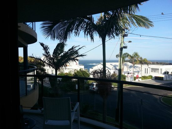 The Cove Beachfront Apartments: View from our studio looking out the rear of the property