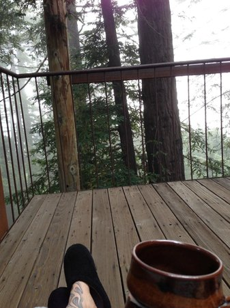 Post Ranch Inn: Morning coffee on the deck