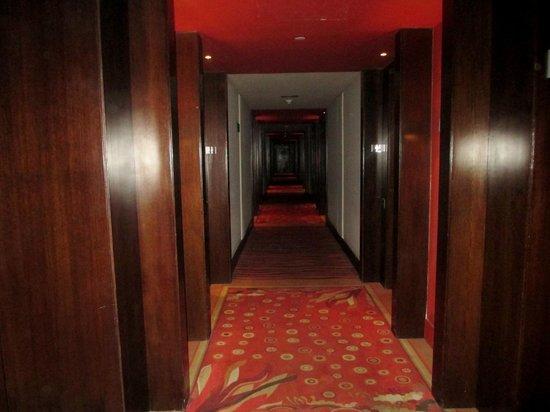 Hesperia WTC Valencia: pasillos